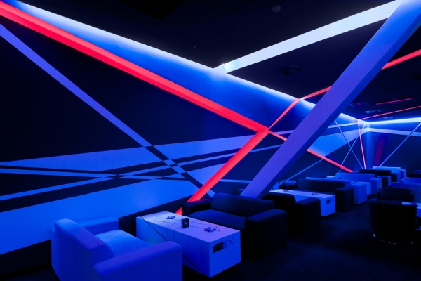 Extreme Designing: Blackbox Gaming Club in Timisoara, Romania